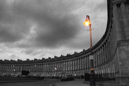 this picture is of the famous Royal Crescent in Bath 