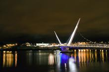 Mini_120316-104839-peace_bridge_1
