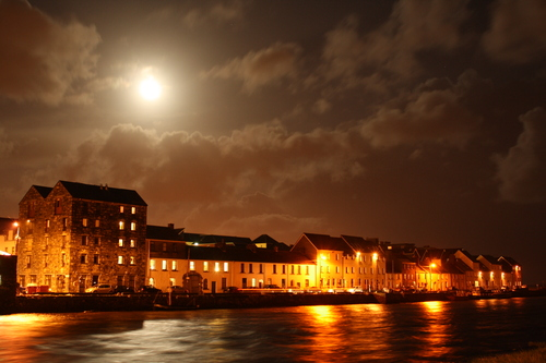 This should be a familiar site to all people who come from or have spent time in Galway. The full moon adds to the beauty of the scene, one which has become symbolic of Galway and is featured in the Guinness advert at Christmas time.