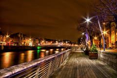 Nice view of the Ha'penny Bridge from the Boardwalk