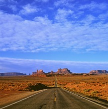 Mini_130206-172544-cassels_a_monumentvalleyroad