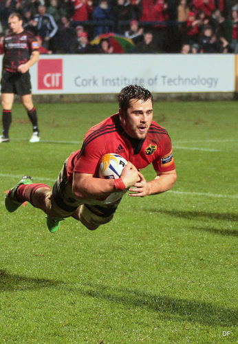 munsters cj stander gets in for a try in musgrave park cork  munster v edinburgh 9/2/2013