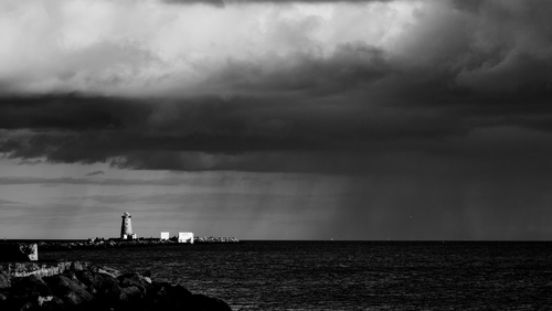 Storm moves in over Dublin Bay