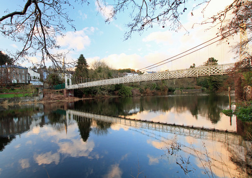Dalys bridge (known locally as de shakey bridge) spans the river lee an is a well known cork landmark