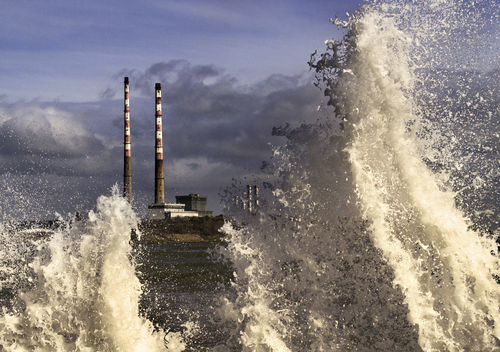 In March 2008 the vigorous easterly conspired with the high tide to threaten Sandymount and Irishtown for the second time in 3 years.