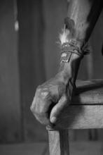 Mini_shaman_hand