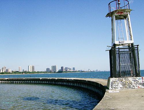 A walk along the shores and pier of Lake Michigan