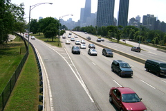Rush hour traffic starts to die down on a late morning in Chicago