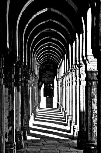 The Arch corridor in Jami Masjid, Champaner