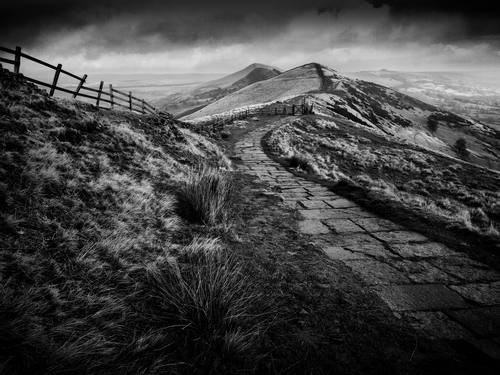 Mam Tor is part of the great ridge, it stands at 517m or 1,696ft and gives spectacular views across the Edale and Hope valleys.