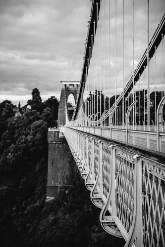 Suspension bridge crossing River Avon