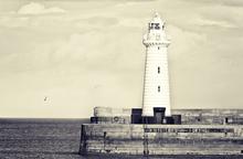 Mini_140522-144348-donaghadee_lighthouse_cream