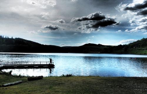 Fly fishing in Ladybower lake Hope Valley