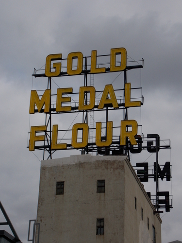 Historic flour brand sign on the roof of the Mill City Museum.