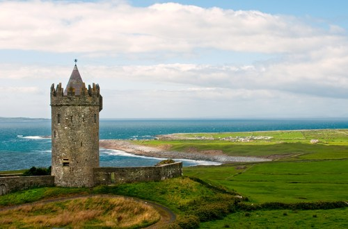 Doonagore Castle is a round 16th Century tower house located about 1km above the beautiful coastal town of Doolin, Co. Clare not far from the famous Burren and close to the Cliffs of Moher