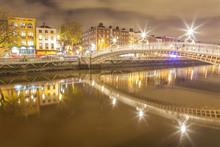 Ha'penny Bridge, Dublin.