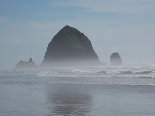 Haystack Rock on Cannon Beach, Oregon. A truly wonderful sight along the Oregon coast.