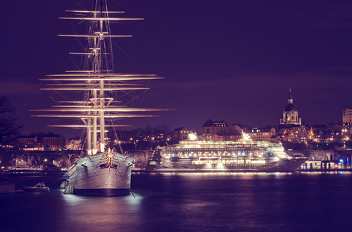 This boat (the old ship) is a famous hostel (named Af Chapman) with the most beautiful Stockholm view.